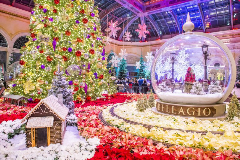 17 things to do in las vegas for christmas and new years for When does las vegas decorate for christmas