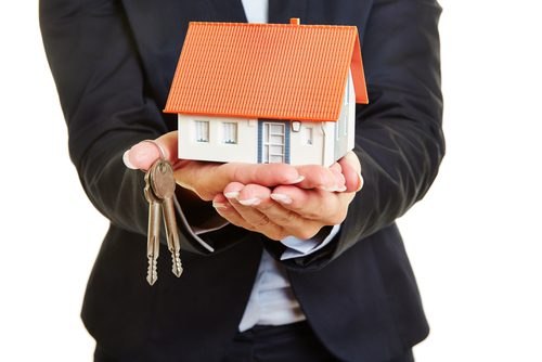 How to Sell a House with a Real Estate Agent