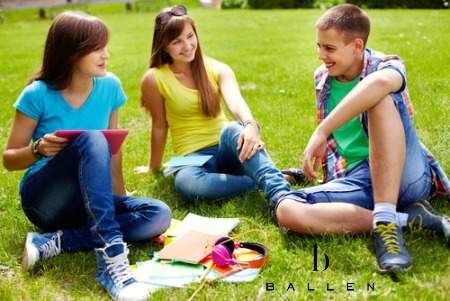 high school kids sitting on lawn 2
