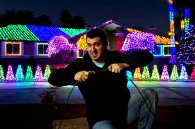 Marc Savard lights up the House on Robindale each year. Photo by L.E. Baskow, Las Vegas Sun