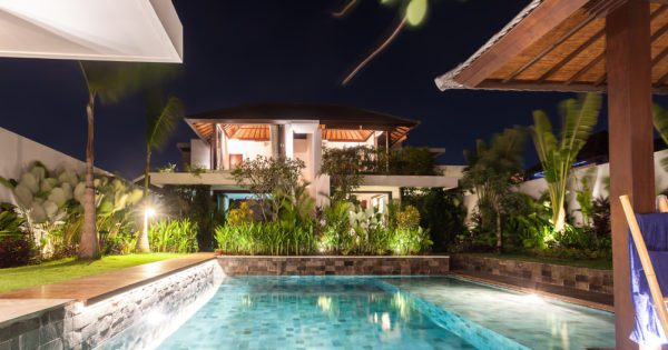 beautiful mansions with pools 2017 current listings