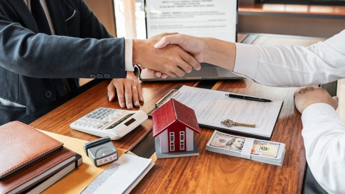 Most of the time, real estate transactions are a long, drawn-out process, with the average time to completion between 30 and 45 days. For sellers who need to sell their house quickly, however, an online buyer like Offerpad can be perfect.