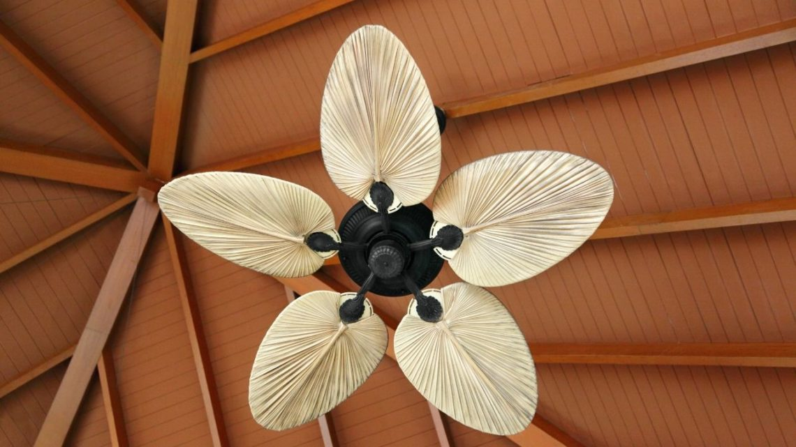 Here's something that many people don't realize: a regular ceiling fan uses a fraction of the electrical power that's necessary to use an air conditioner. Plus, its energy consumption is constant and doesn't change based on the weather outside.
