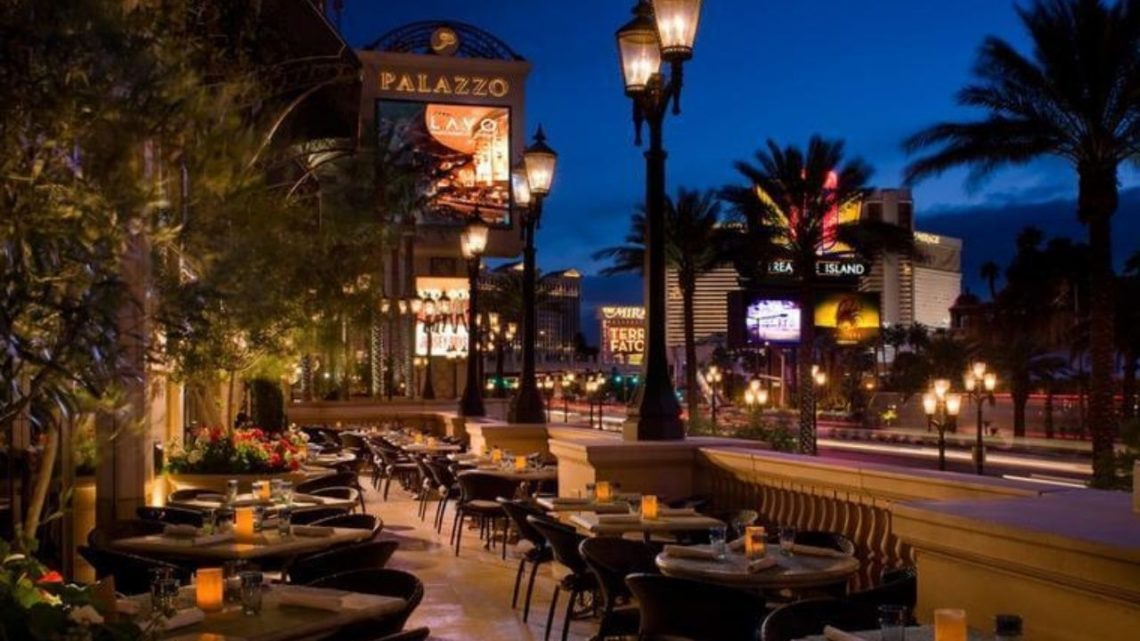 Lavo Italian Restaurant and Nightclub is a favorite among visitors who enjoy excellent food served in an elegant setting. Step out onto the terrace to experience unmatched views of the Las Vegas Strip.