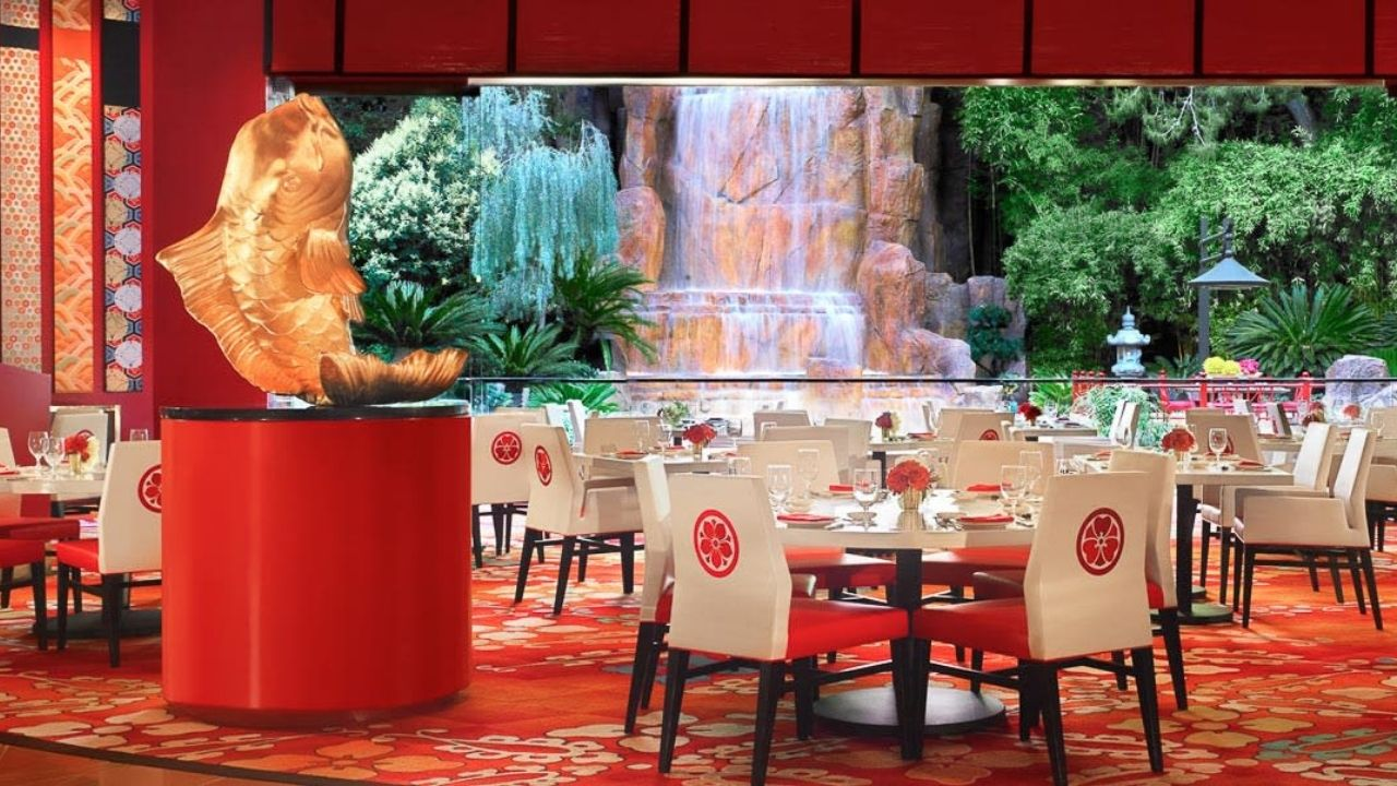 Mizumi at The Wynn offers a Japanese-influenced dining experience combined with some of the best views in Las Vegas. Located on top of the 39th floor, it's a popular choice for visitors who want to enjoy an unforgettable dining experience while taking in the breath-taking surroundings below!