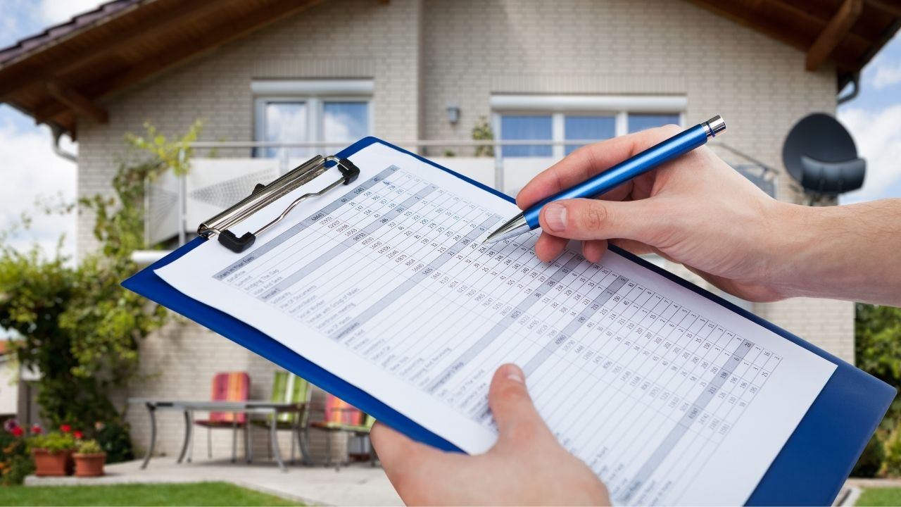 A home inspection checklist is not provided as a replacement for a home inspector, but rather a complimentary guide to inform the home buyer.