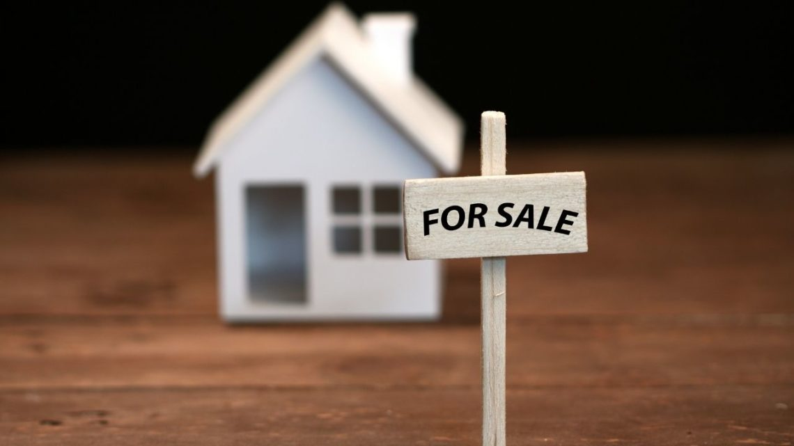 """If you are looking to sell a home """"as-is"""" in Las Vegas, this guide is for you."""
